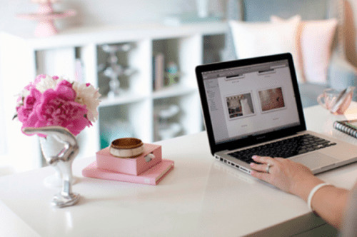 Read more about the article Small Business Ideas for Women To Start On Your Own
